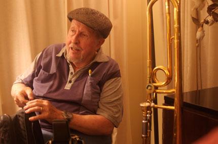 Dave Wells —trombone
